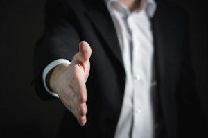 handshake-2056023_960_720